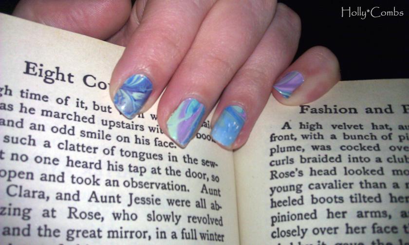 Swirly manicure.